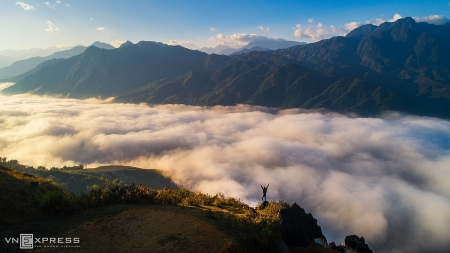 Absorbing scene of dawn in some areas of Vietnam
