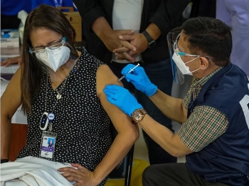 Philippines eyes to mix Sinovac with other Covid-19 vaccines brands