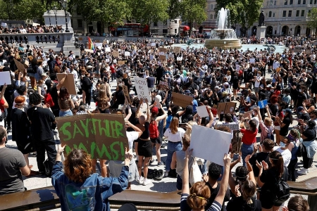 Protests over George Floyd spread to some cities in the world