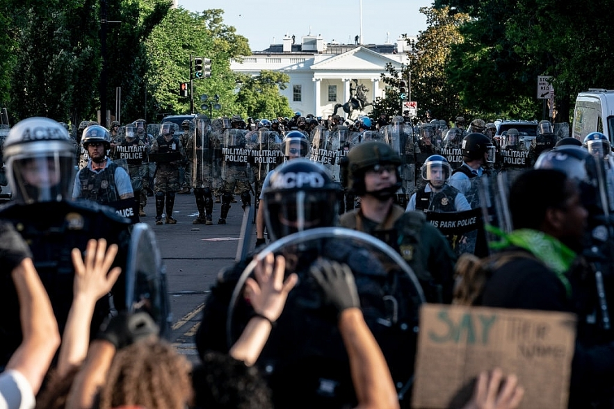 protests and riots in america update all four former officers relating to george floyds death are in custody