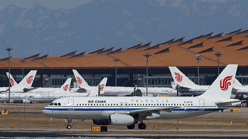 us plans to block flights of chinese airlines while china steps back