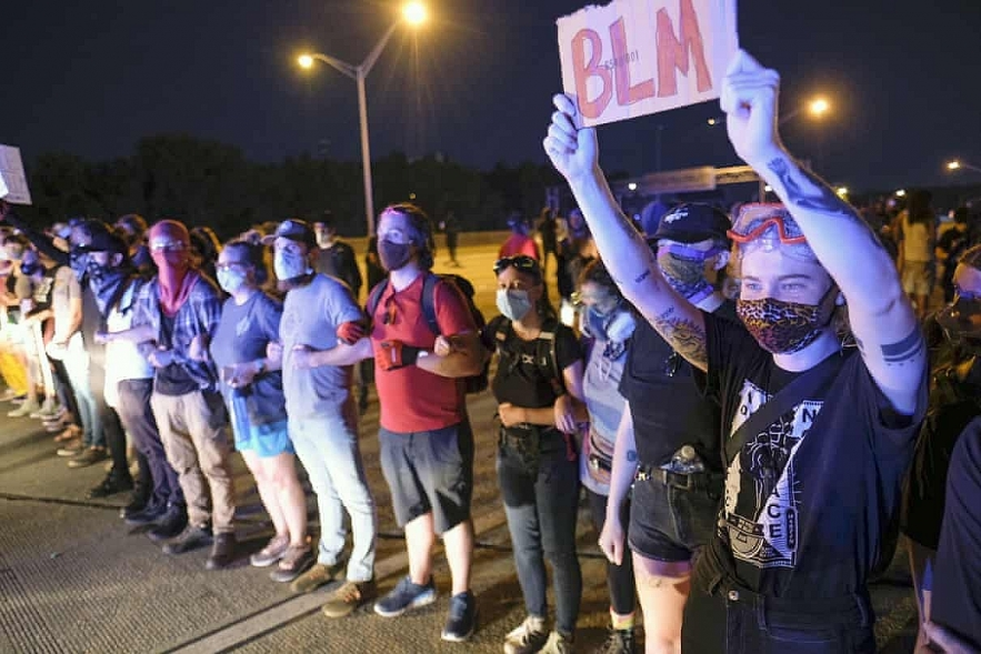 protests in america update autopsy concludes homicide in rayshard brooks shooting