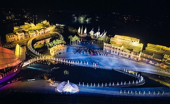 impressive hoi an ao dai festival absorbs tourists