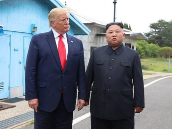 us news today trump extends existing sanctions on north korea for 1 year