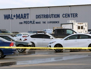 us news today june 28 2 killed 4 injured in red bluff walmart distribution center shooting