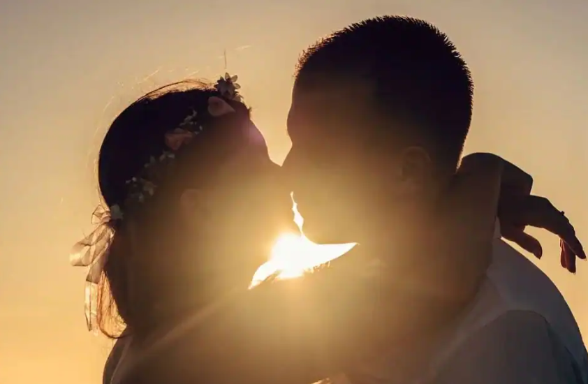 International Kissing Day 2021: History, Significance, Intersting Facts and Historic Kisses
