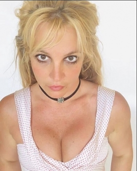 who is britney spears full story of conservatorship locking over a decade