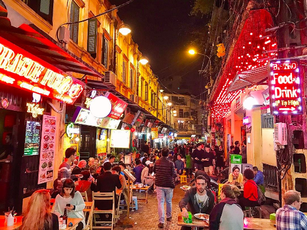 CNN: 6 destinations to explore at night in Hanoi