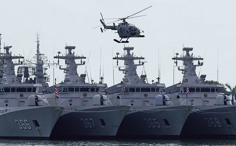 indonesian navy exercises after refusing to negotiate with china over bien dong sea
