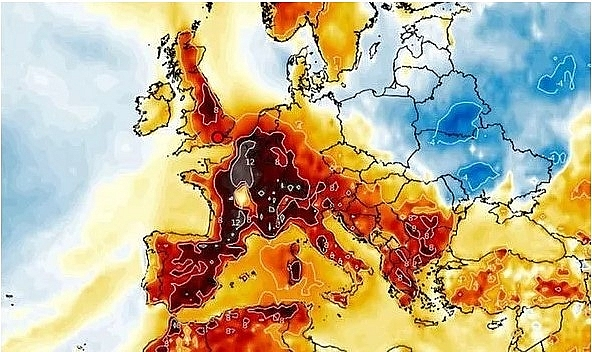 UK and Europe weather forecast latest, August 1: An intense heatwave to bake Britain with temperatures soaring to 95F