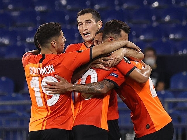 europa league sevilla and shakhtar donetsk book the last two places for semi finals