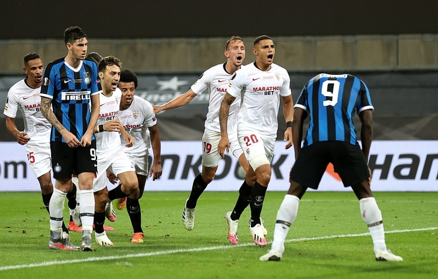 europa league sevilla wins the sixth crown after defeating inter milan 3 2