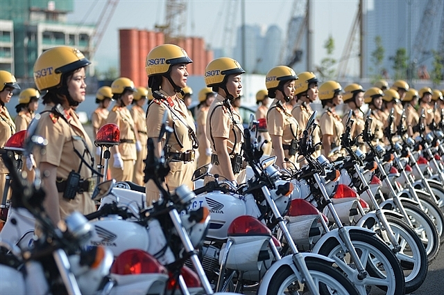 First all-women police escort makes debut in Ho Chi Minh City