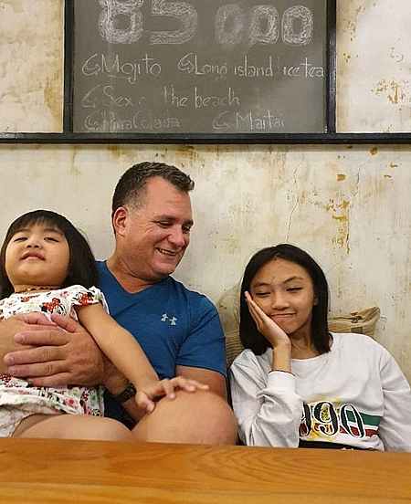 American captain bearing Covid 19 separation craves for reuniting Vietnamese family
