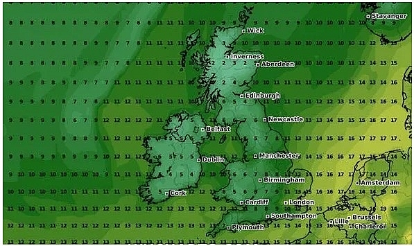 uk and europe weather forecast latest september 25 temperatures drop as gusts bring first frost to slap britain