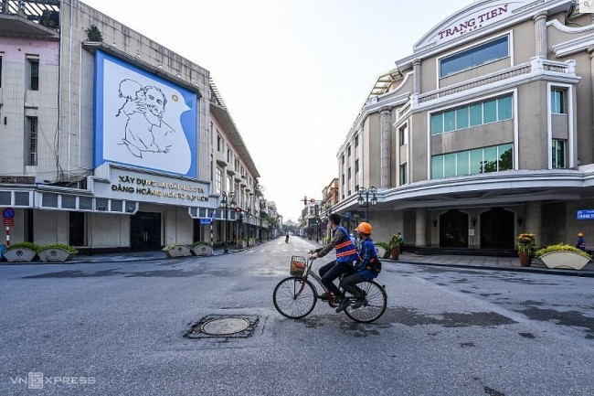 Hanoi set to ease social distancing restrictions after ramping up vaccination