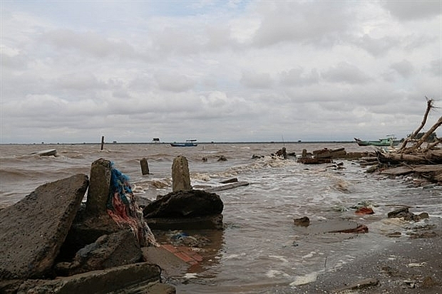 Increasing erosion along rivers and canals threatens Mekong Delta province of Tien Giang