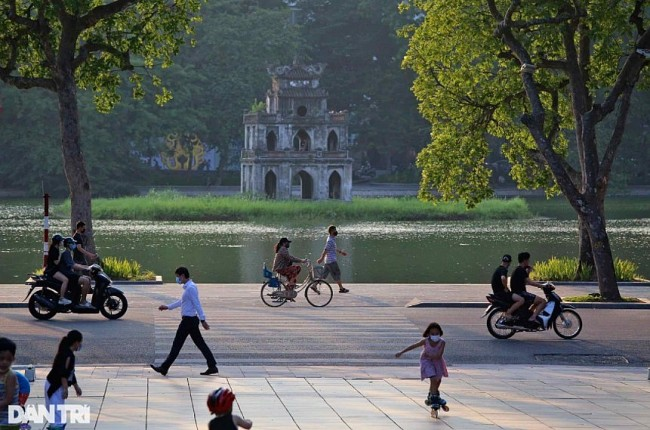 In Photos: 'New Normal' Life in Hanoi