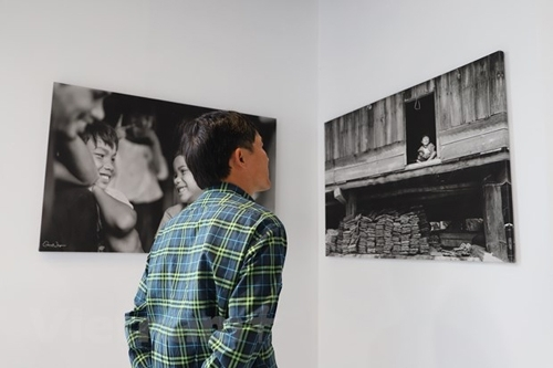 A fundraising photo exhibition in Australia opened by Vietnamese photographer to support Central Vietnam