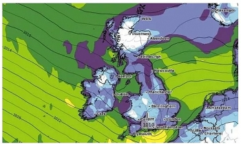 uk and europe weather forecast latest november 4 freezing temperatures cause snow showers in britain
