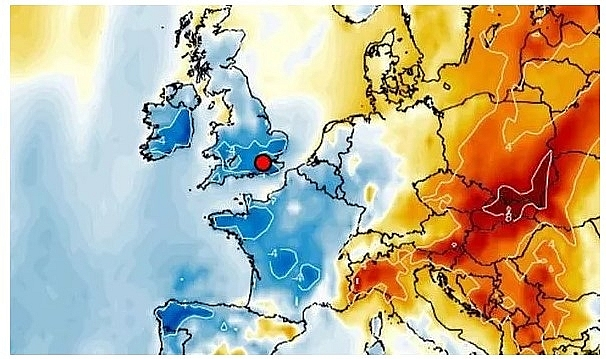 UK and europe weather forecast latest, november 6: temperatures plunge with maps showing most of the uk turning icy blue