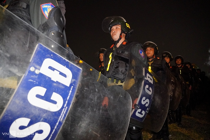 Special police force goes through the 37th ASEAN Summit rehearsal