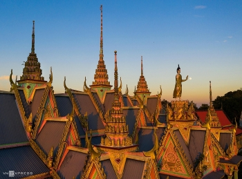 indulging in magnificent beauty of som rong pagoda with impressive architecture