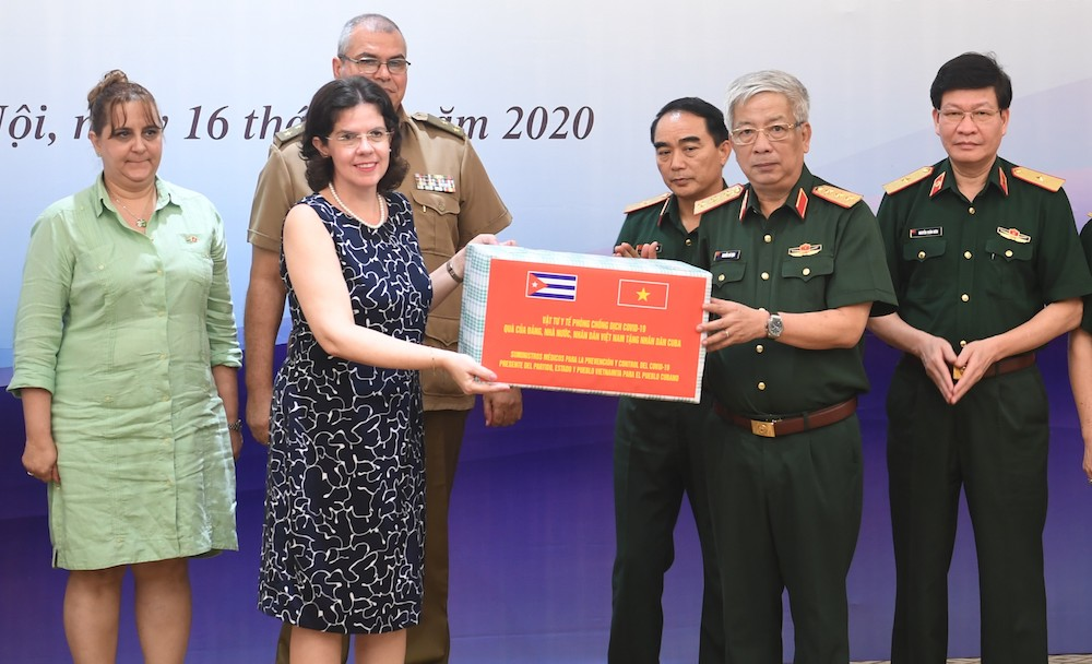 vietnam donated 3 tons of medical supplies to cuba against covid 19