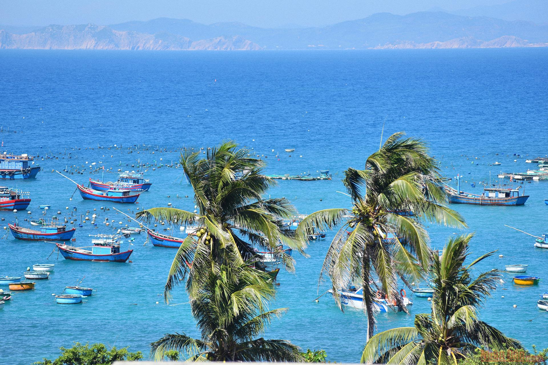 cu lao xanh a blue lagoon of vietnam