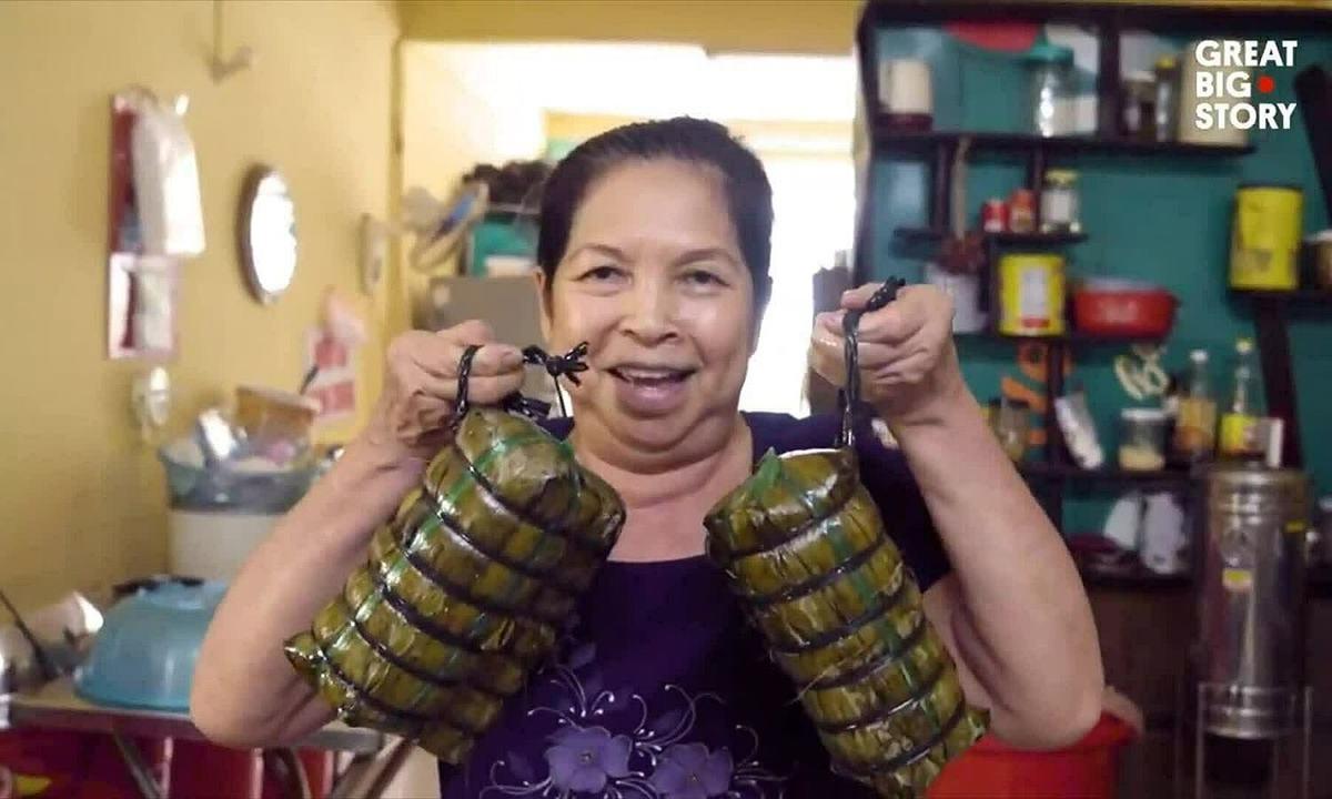 """Vietnam's """"bánh tét lá cẩm"""" picked by CNN Travel among world's top rice cake"""
