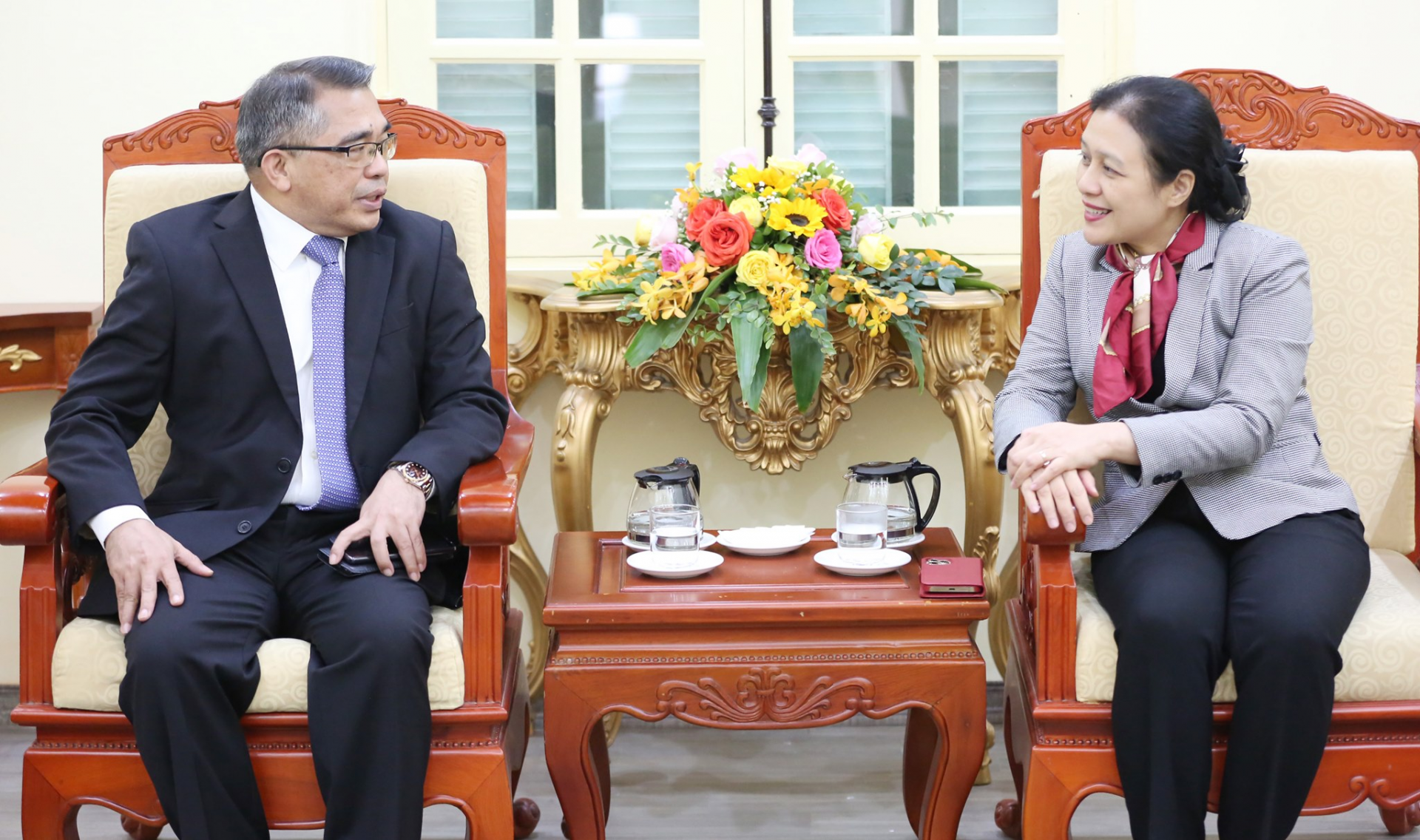 newly appointed ambassadors of the republic of the philippines to pay a courtesy visit to the vufo president