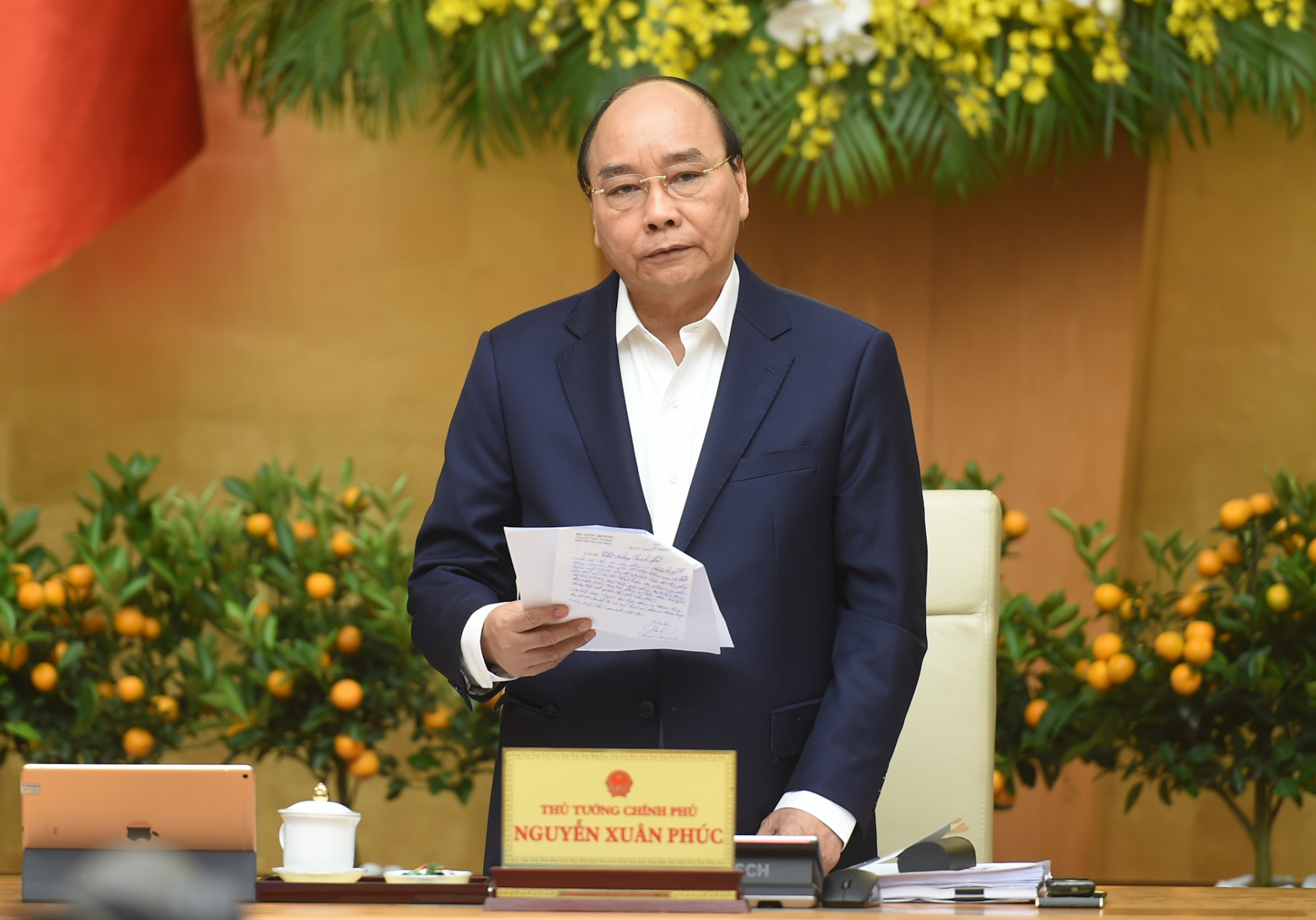 pm nguyen xuan phuc requests covid 19 vaccine supply to be ready in first quarter