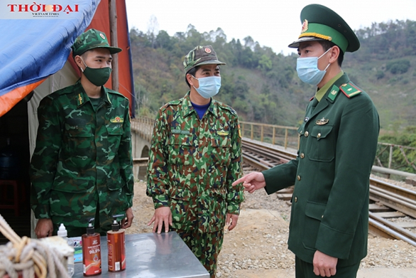 an unusual tet of the border guards
