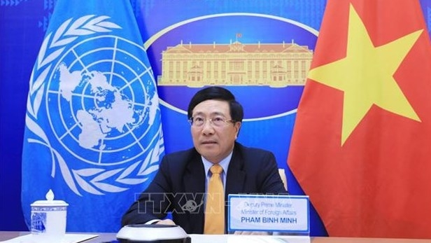 Vietnam calls for effective vaccination campaign against COVID-19 globally, Deputy PM
