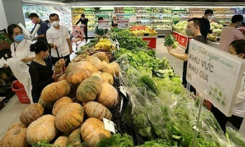 Hanoi supermarkets are able to meet people
