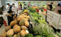 hanoi supermarkets are able to meet peoples goods demand even covid 19 cases increasing