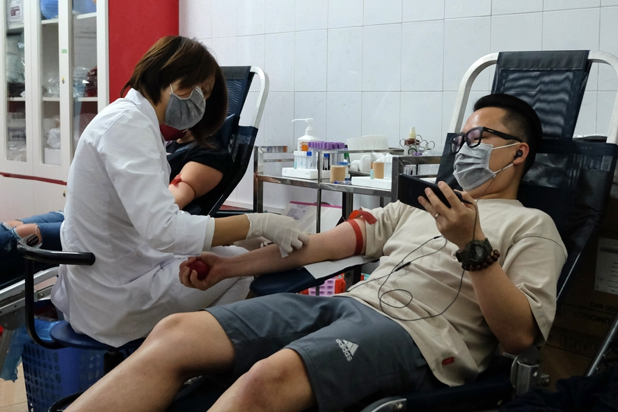 blood donation by foreigners in vietnam humanitarian value and interests of life