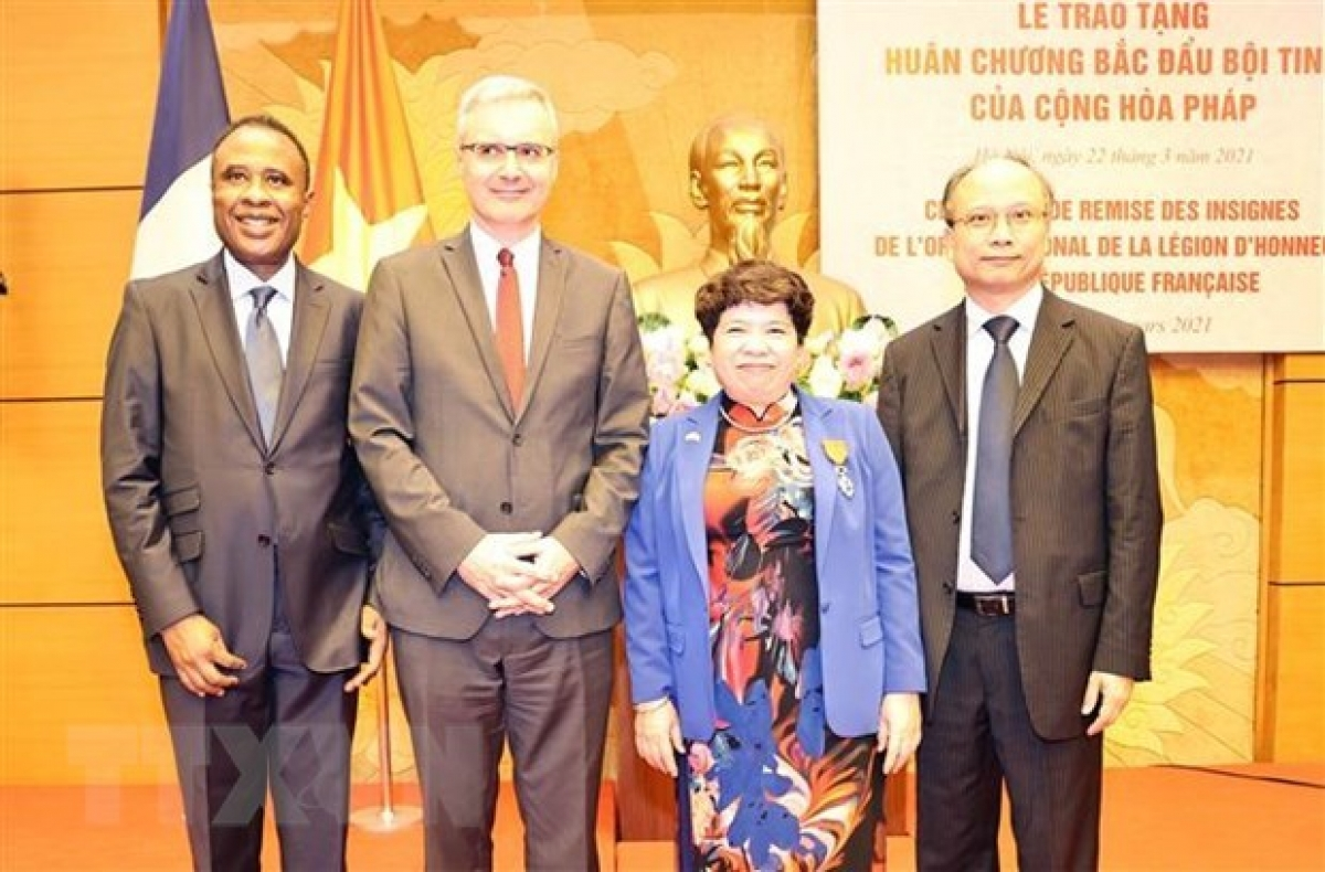 Vietnamese NA official receives France's National Order of the Legion of Honour