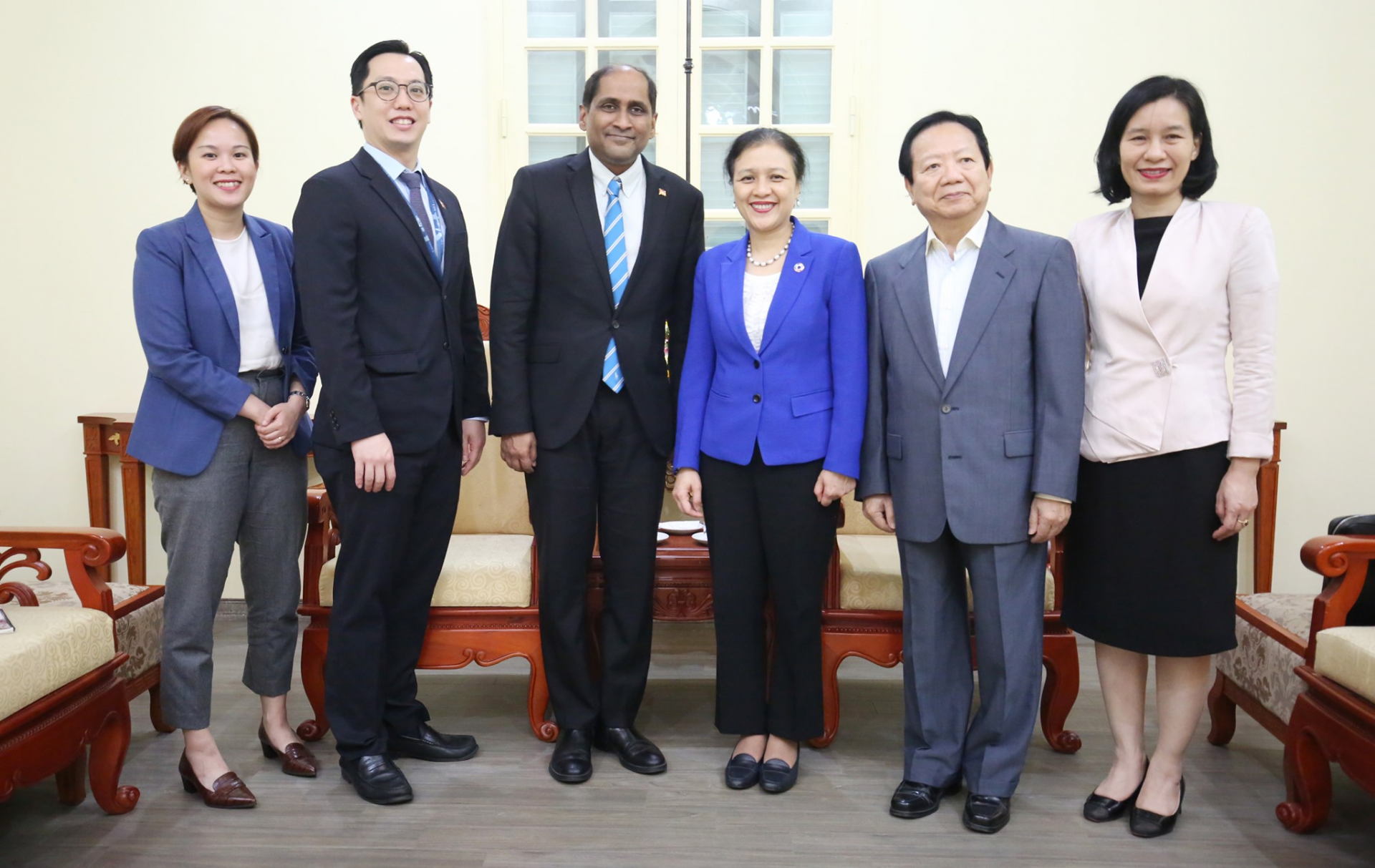 Newly appointed singaporean ambassador to pay a courtesy visit the vufo president