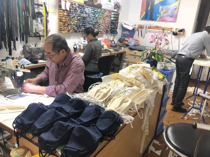 Thousands of COVID-19 masks for local doctors in Germany sewed by Vietnamese
