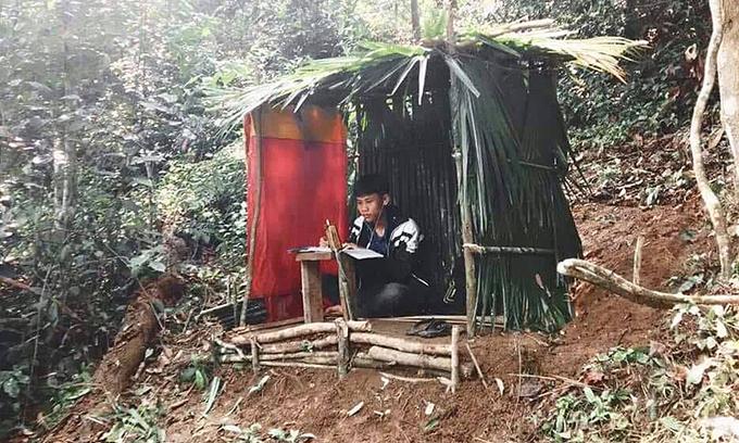 Vietnam ethnic students make shacks on hills for e-learning