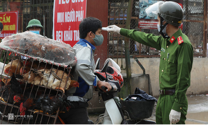 rapid covid 19 tests conducted to hanoi wholesale markets