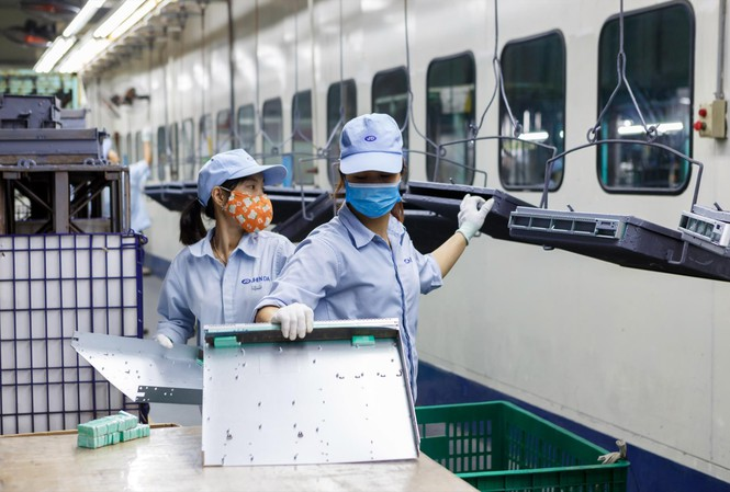 Vietnam's economic growth forecasted to rebound to 7% growth in 2021