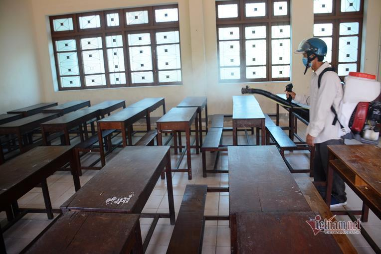vietnam nearly 45 localities reopen their schools after long time closures due to covid 19 break