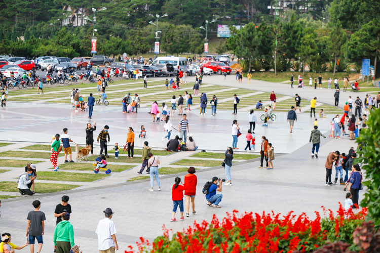 tourism attractions and services start to be reopened around vietnam