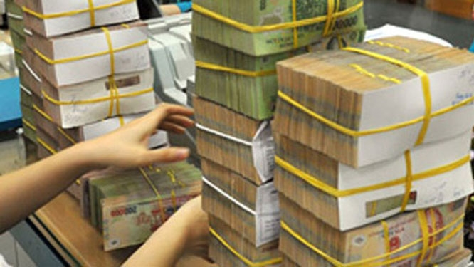 State budget revenue reaches over VND427 trillion  (US$18.17 billion) in Q1 2020