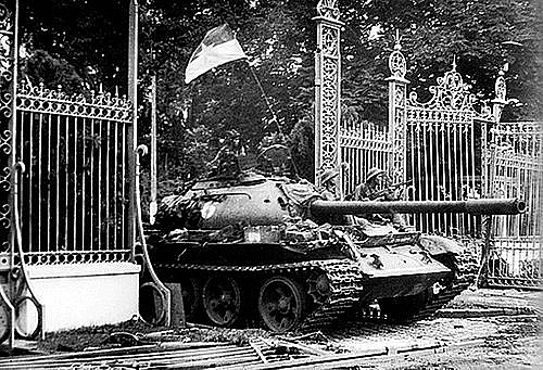 vietnams memorable pictures of the south liberation day on april 30 1975