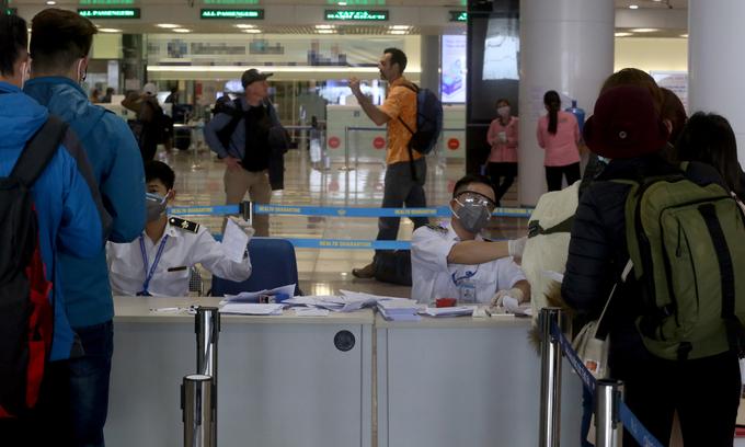 stranded vietnamese and canadian expatriates repatriated