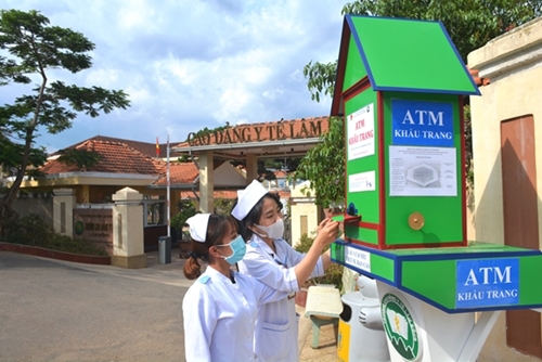 free face mask atm launched in da lat vietnam