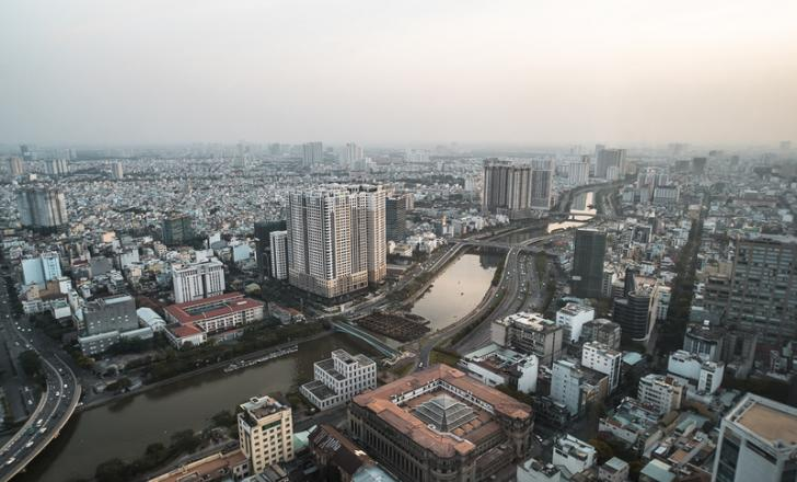 vietnam calls for new road and bridge projects in a bid